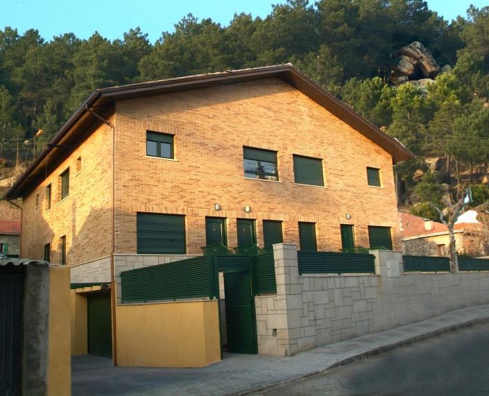 Aparahotel Collarubio - Collado Mediano - Central de Reservas Sierra del Guadarrama