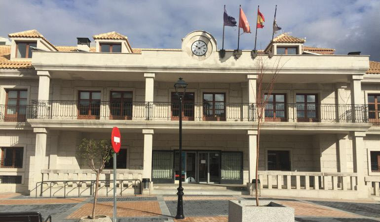 Plaza del Ayuntamiento de Cerceda Sierra de Guadarrama