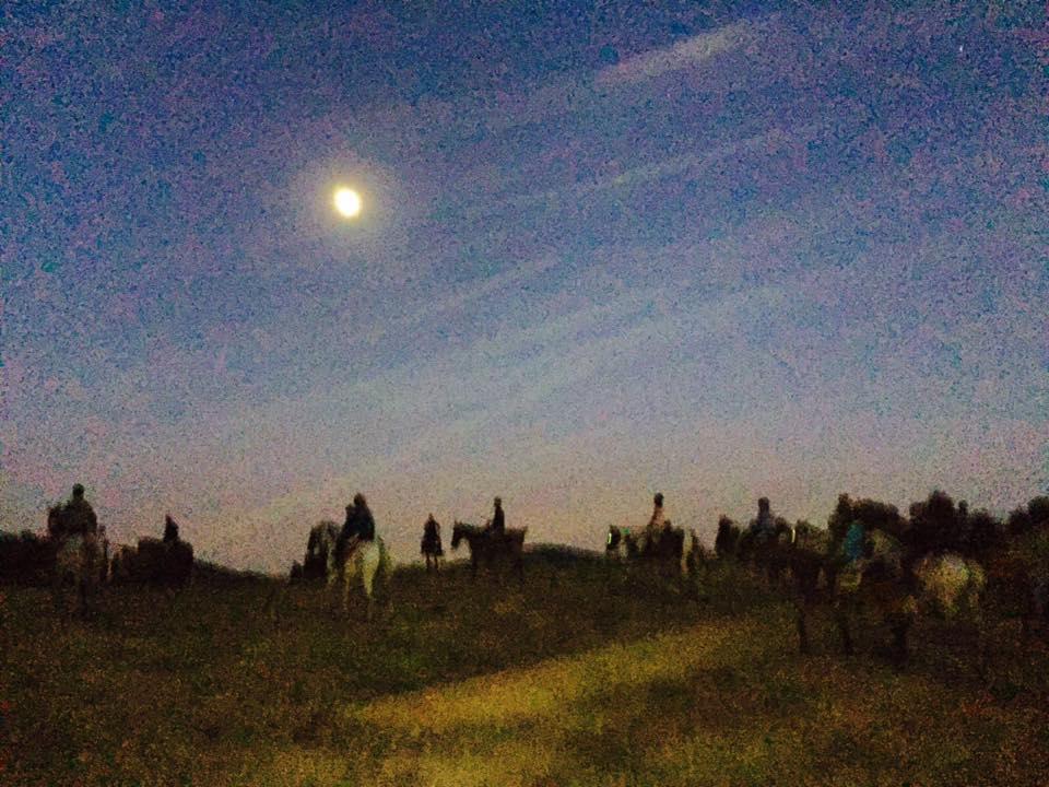 Rutas a caballo nocturnas en la Sierra