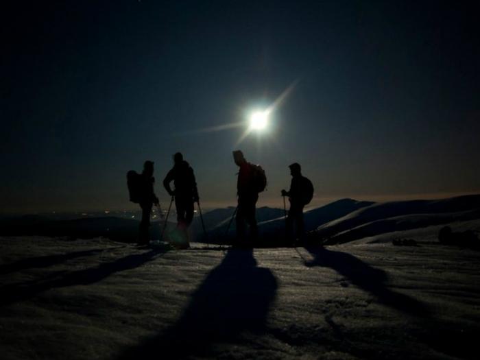 senderismo en pelñalara a la luz de la Luna Sierra Madrid