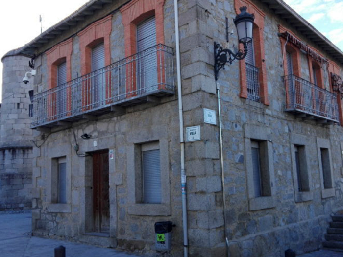 Plaza-de-la-Villa-de-Alpedrete-Sierra-de-Guadarrama-
