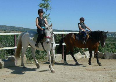montar a caballo en collado mediano