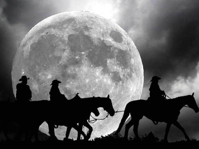 Ruta a caballo bajo la luna Sierra Madrid