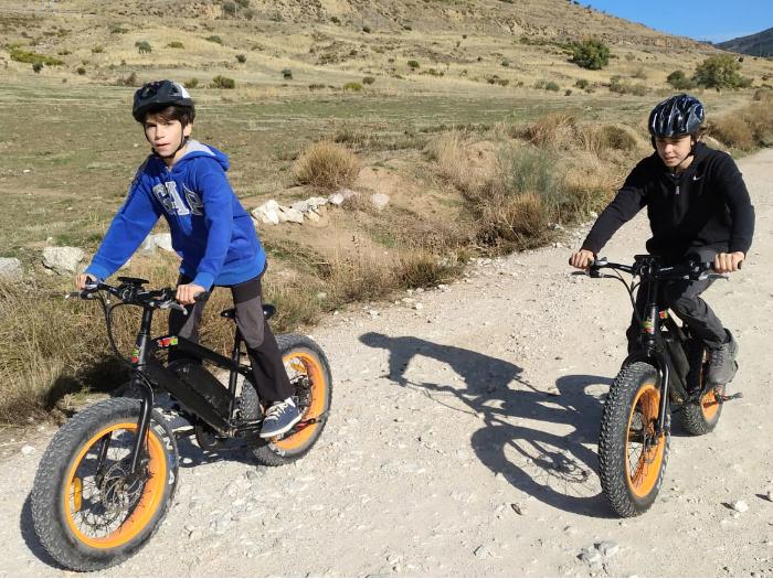 Bicicleta Eléctrica en Familia en la Sierra de Madrid