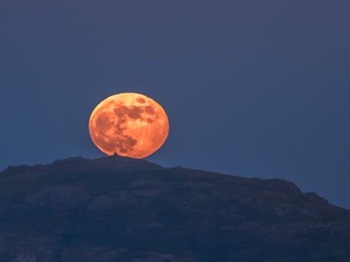 Fotografía del Eclipse Penumbral en el Cerro de San Pedro